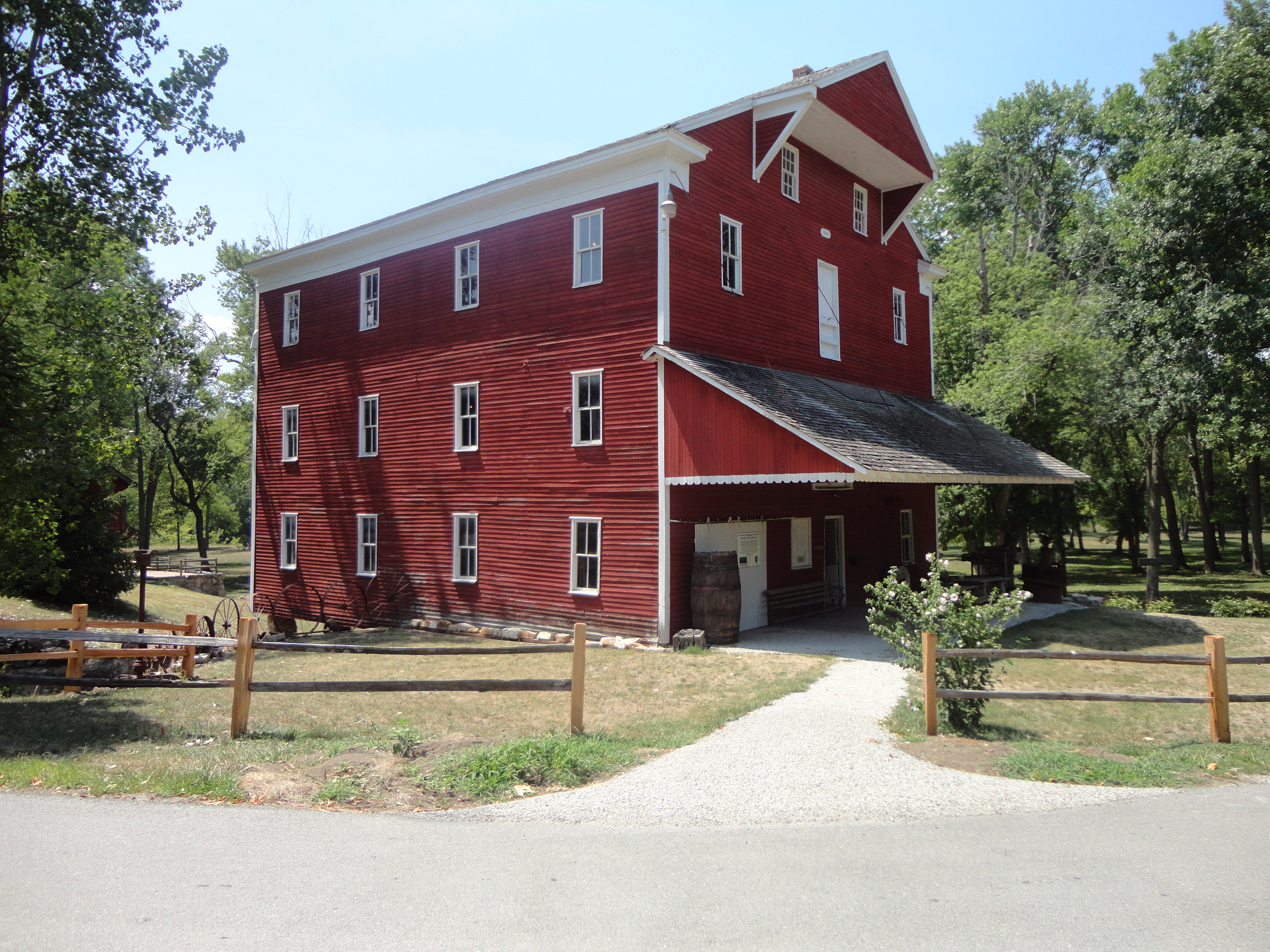 Women on a mission, visited Adams Mill