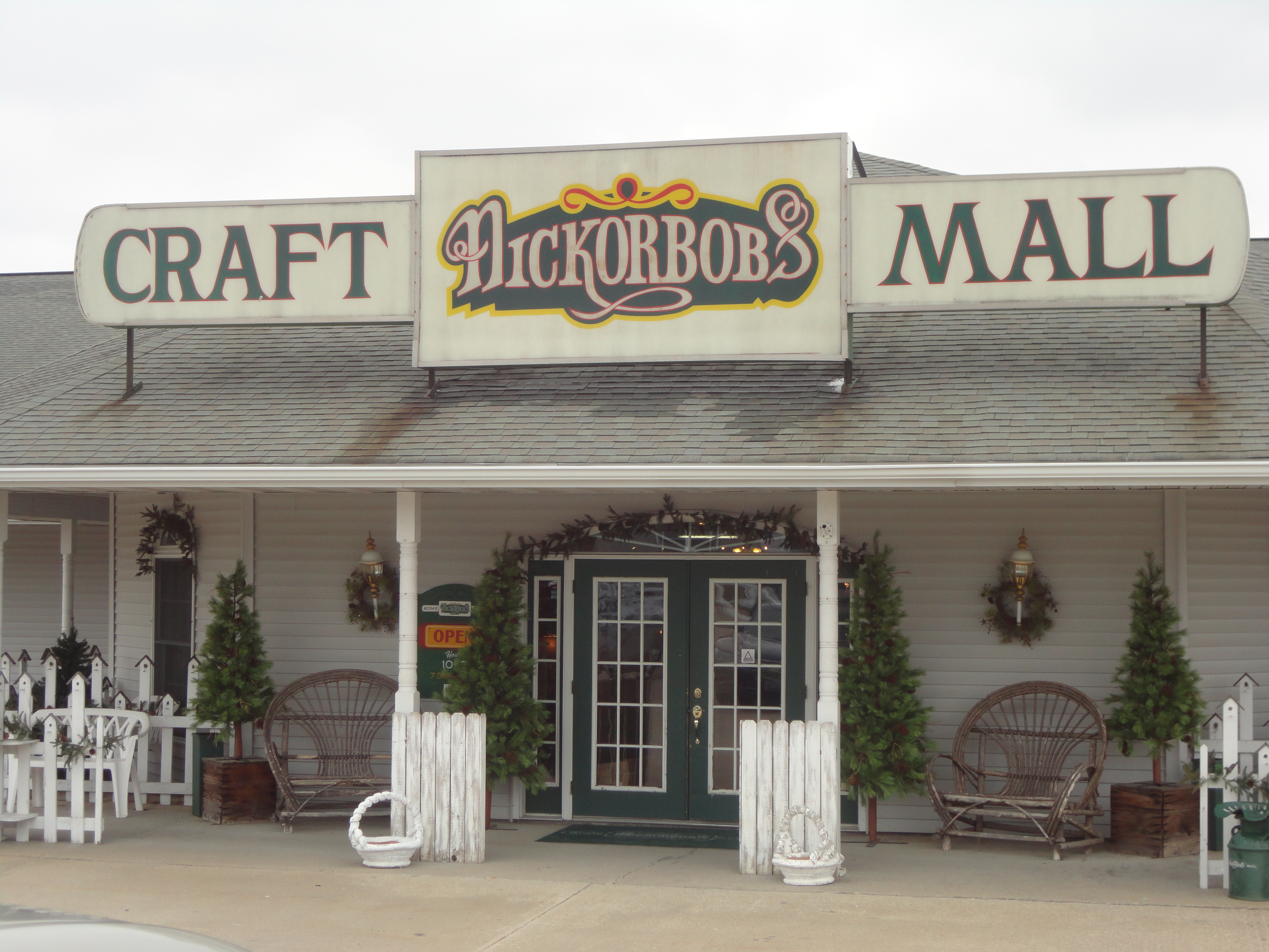 Nickorbobs Craft Mall- Think Spring!