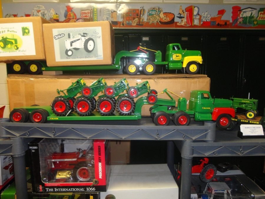 Watch for the Farm Toy Show to be held in conjunction with the 32nd Annual Greater Peoria Farm Machinery Show.