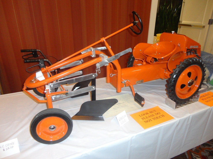 Don Turner's Allis Chalmers G pedal makes a splash-picture by Keith Ladage